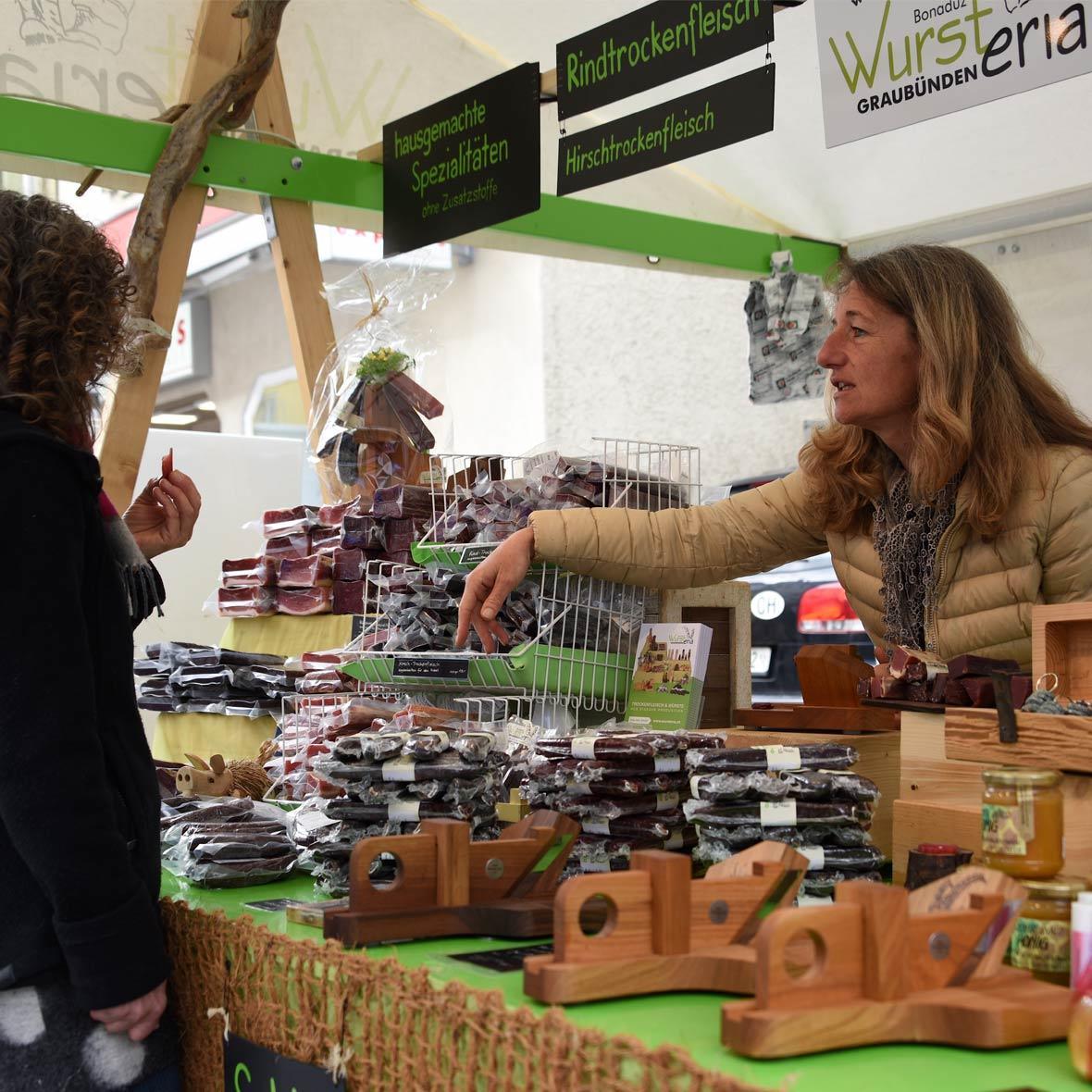 Wursteria Graubünden Marktstand
